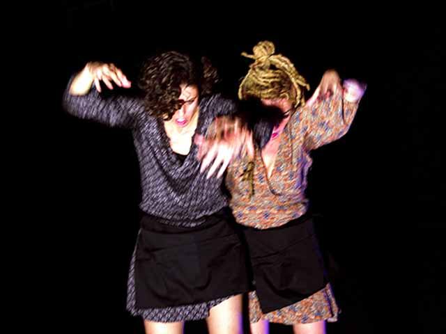 Anarquismo Doméstico (soñé que mi piso estaba limpio), por Rebeldías Mínimas danza teatro.