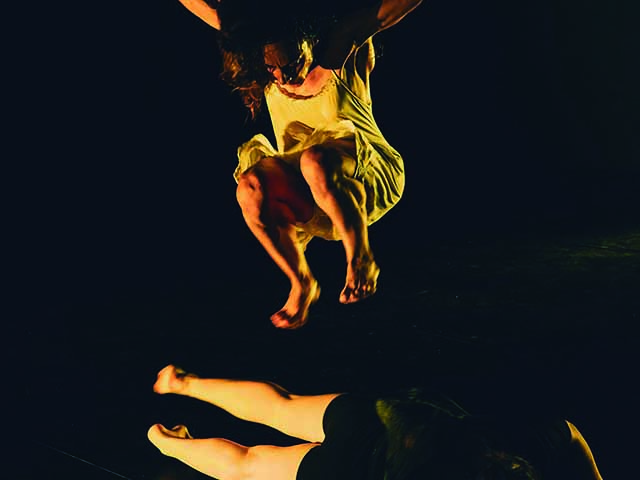 Salt, por Fil D´Arena Dansa-Teatre (Dentro del Circuito de la Red de Teatros Alternativos)