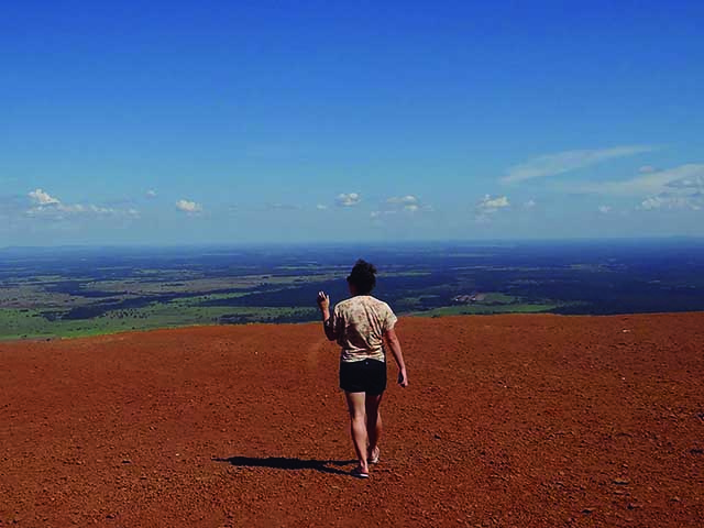 La Femme qui marche, por Natalia Fernandes